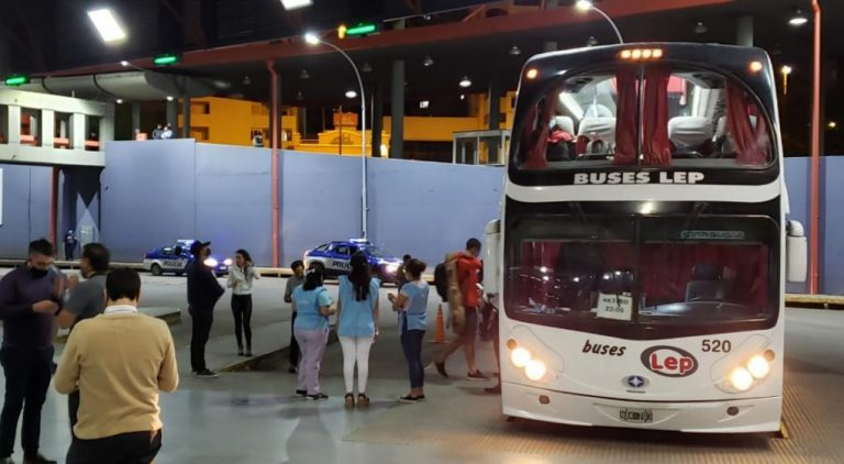 Después de 8 meses, partió un colectivo de larga distancia de Córdoba a Buenos Aires