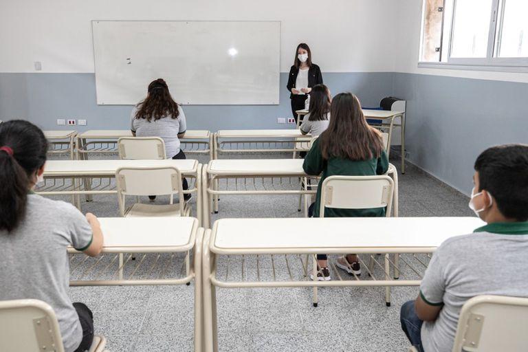 """Córdoba creó un """"COE educativo"""" para atender la situación epidemiológica en las escuelas"""