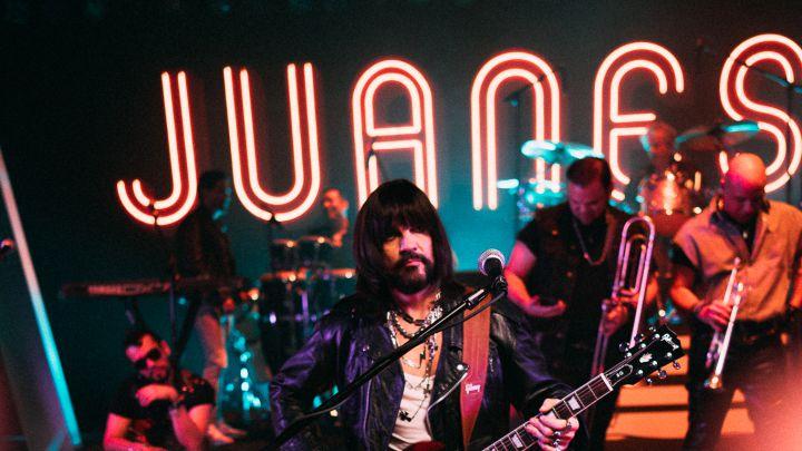"""Juanes mira hacia atrás en """"Origen"""" para abrir un nuevo camino en su carrera"""