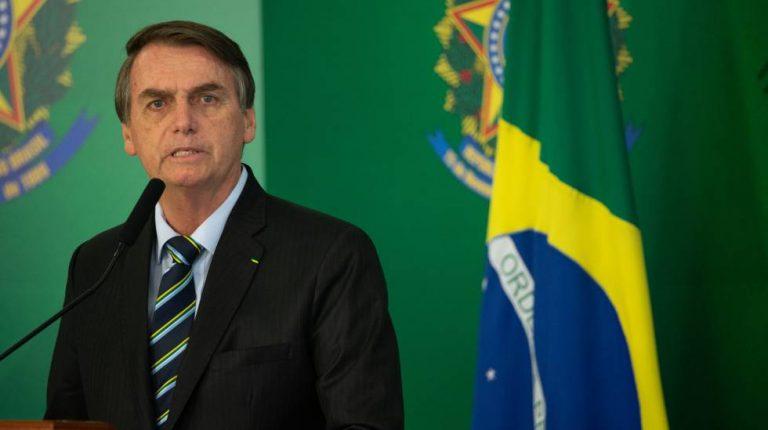 Bolsonaro dice que la Copa América se hace y tiene aval del Ministerio de Salud