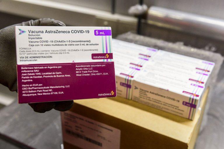 Llegaron más de un millón de vacunas AstraZeneca desde los Estados Unidos y hoy arriban Sinopharm