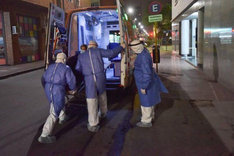 Córdoba: las ambulancias demoran entre dos y ocho horas para encontrar una cama crítica
