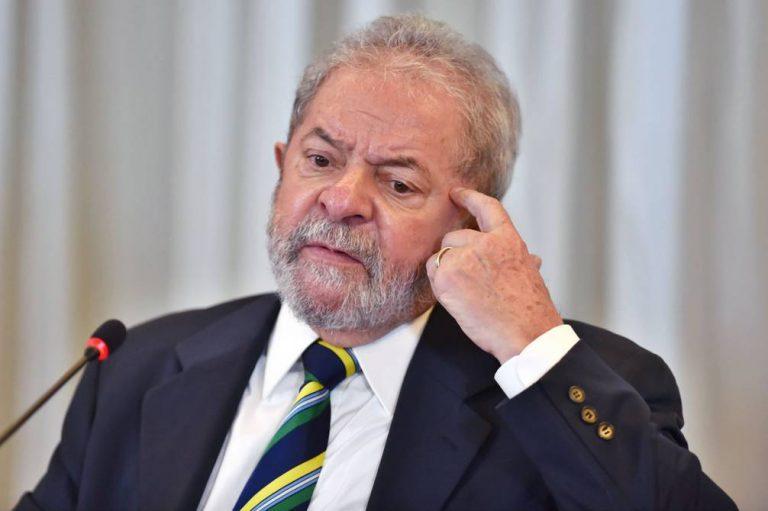 """Lula calificó de """"genocidio"""" el medio millón de muertos por coronavirus en Brasil"""