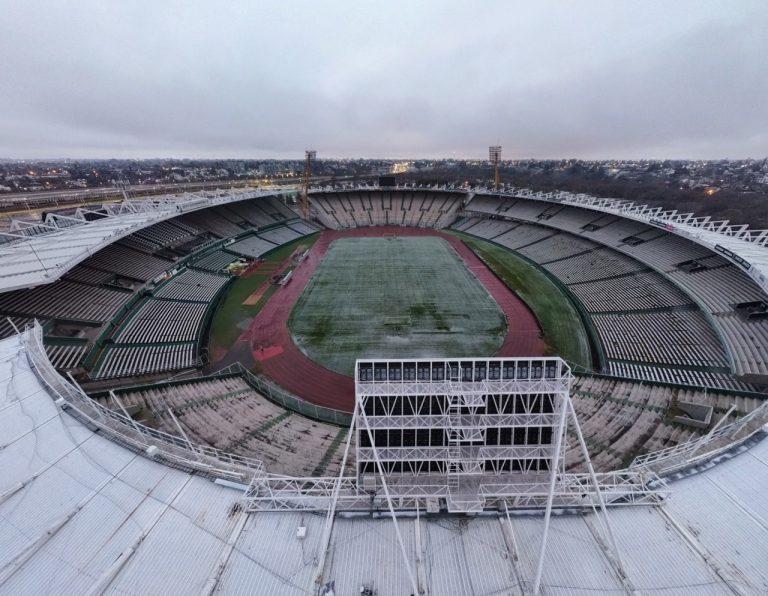 La nevada cubrió al emblemático estadio mundialista Mario Alberto Kempes