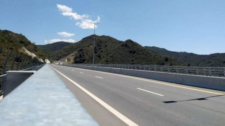 Denuncian la autovía de Punilla ante la Corporación Andina de Fomento