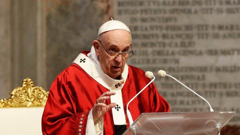 """Francisco incorpora al Derecho Canónico la pederastia como delito """"contra la dignidad de la persona"""""""